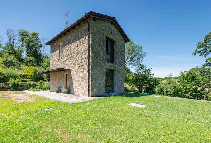 Villa panoramica  relax  sui colli di Bologna