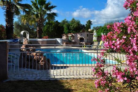 CasaBatello Mini villa avec piscine 2kms de la mer