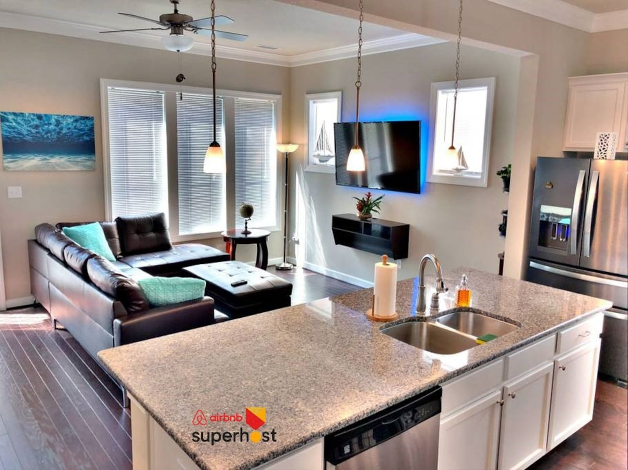 Chic, bright, and fresh living spaces offer a great place for a drink or two before walking down to a live entertainment venue down the street, or watching a movie after a long day on the beach.