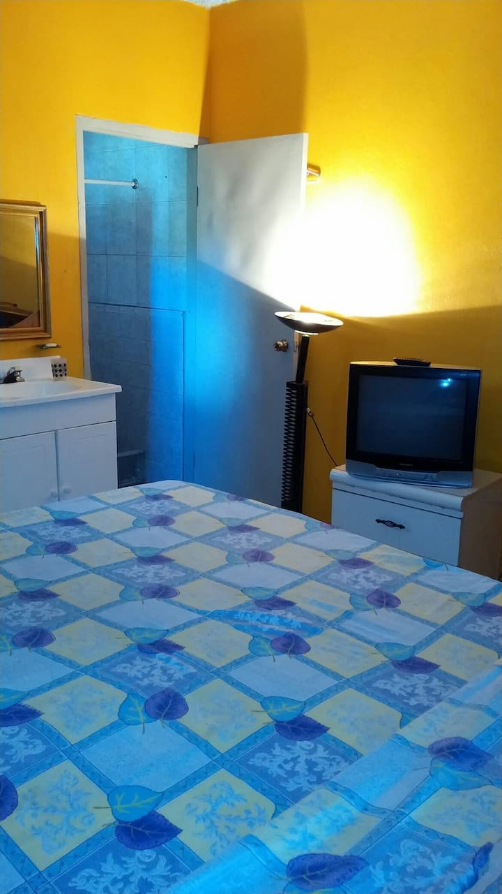 One plus GuestHouse Fullsize bedroom