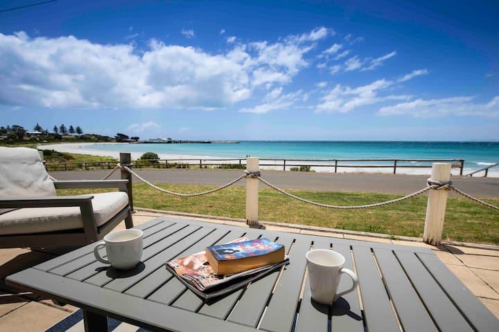 Beira-Mar Cottage - Cozy beachfront getaway