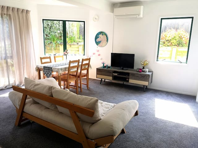 Comfy and Safe suite near beach! with FREE WIFI