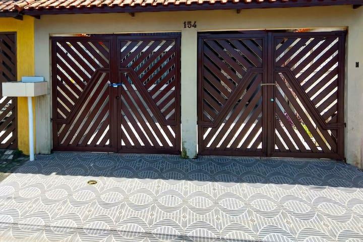 Otima Casa em Mongagua 50m da Praia