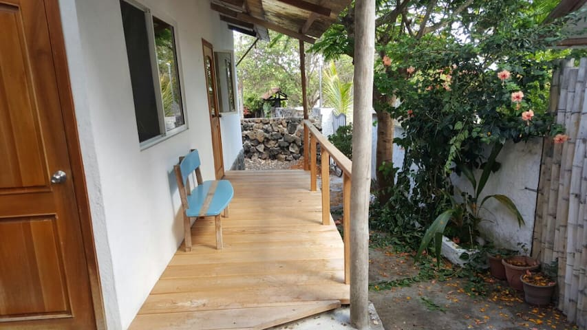 Nice and cozy !!! - Puerto Ayora - Hus