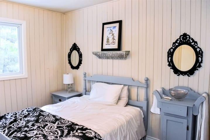 Room 3 - Double Bedroom