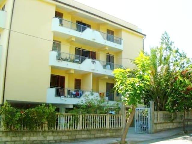 Villa Amalia - case vacanze Pietrapaola marina(cs)