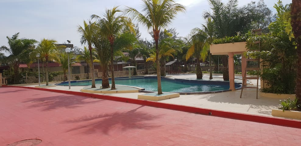 Ground floor unit with pool just after the balcony