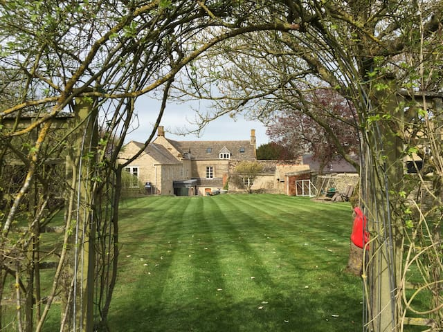 Hollies Farm - Oxfordshire heaven - Oxfordshire - Casa
