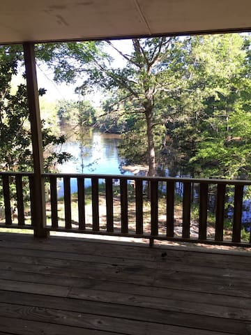1900 Sq ft Lakeside Cabin on 20 Acres Toledo Bend - Many - Casa