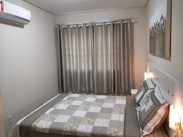 Quarto 1, uma cama de casal