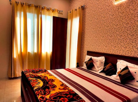 Exclusive Stay, Elevator Access, Lush Green Area