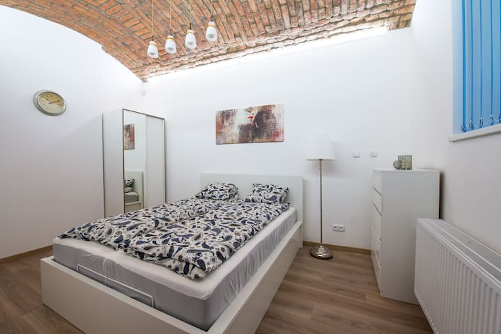 Newly renovated cozy flat close to historic center - Praha - Apartemen