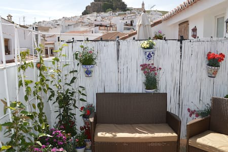 Lovely Apartment with terrace & wifi, Nr.Caminito