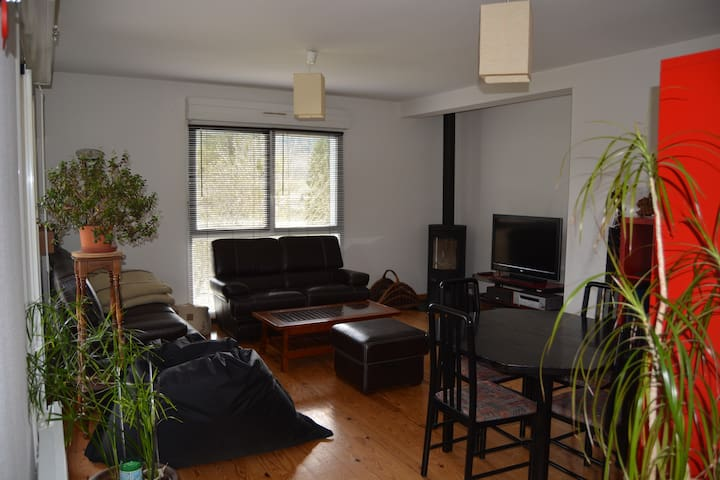 appartement avec terrasse+ parking - Ornans - Apartemen