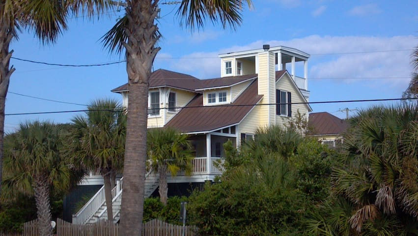 folly breeze 2nd row beach access houses for rent in folly beach south carolina united states. Black Bedroom Furniture Sets. Home Design Ideas