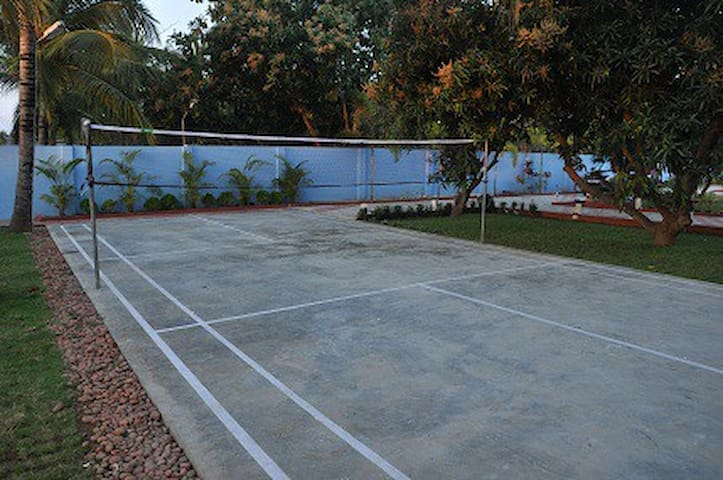 PRIVATE FARMHOUSE IN ECR WITH SWIMMING POOL.