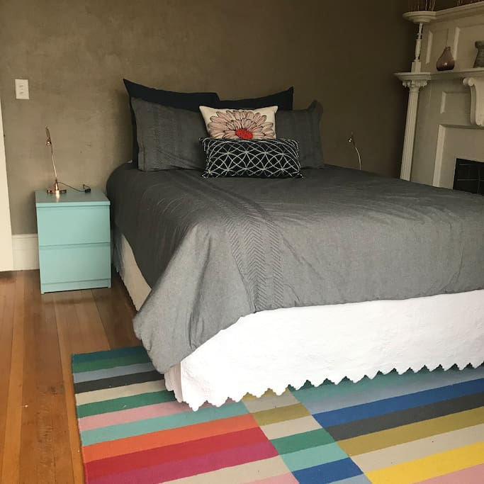 Large Queen bed with very comfortable mattress