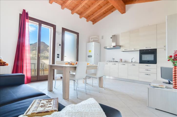 Brend new studio w/stunning view - Monte Isola