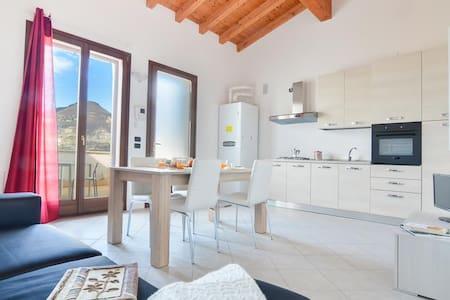 Brend new studio w/stunning view - Monte Isola