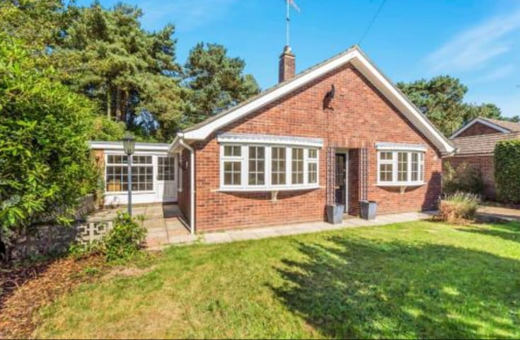 Contemporary 3 bed house - High Kelling