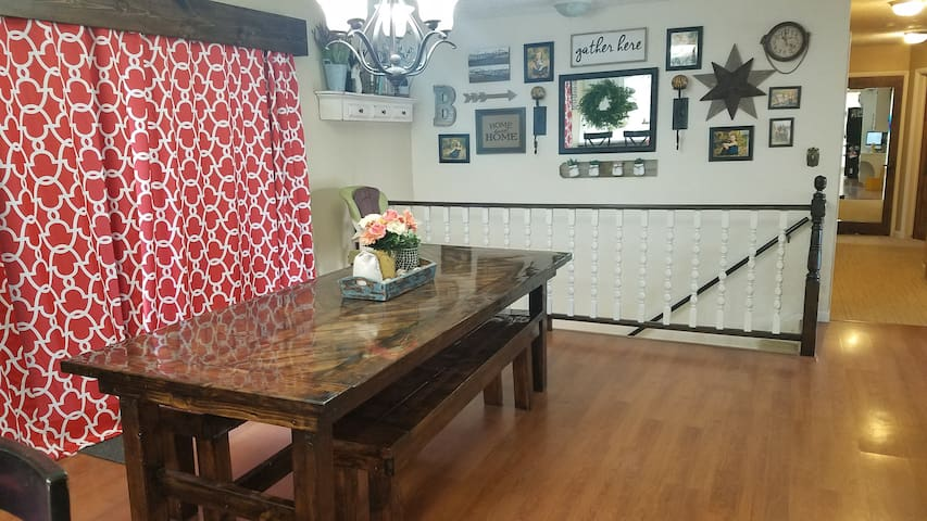 Separate entrance, 2 Large bedrooms & private bath