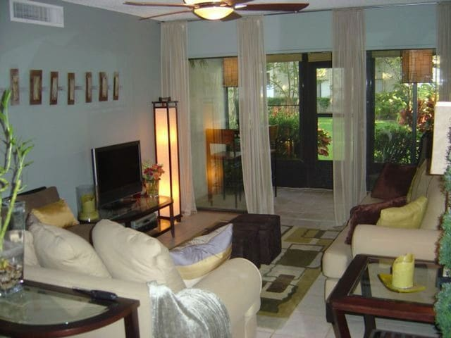 Lux Private Modern Retreat near MCO airport  GATED