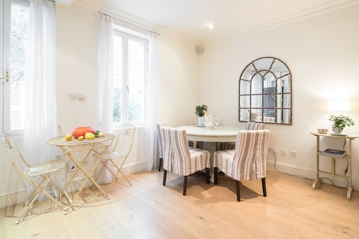 Newly 3 bedroom house, Thurloe in South Kensington