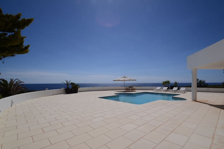 Family villa with sea view &beaches - Binidalí - Hus
