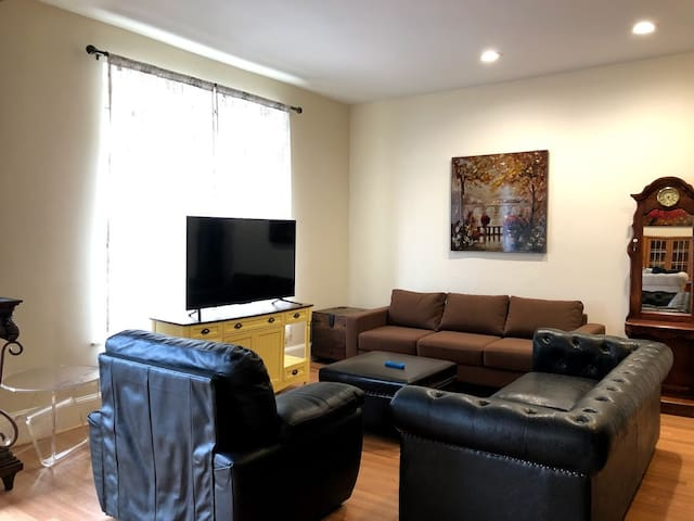 "1 of 2 living rooms available for guests to use, 55"" LED 4K Tv with Netflix and more!"