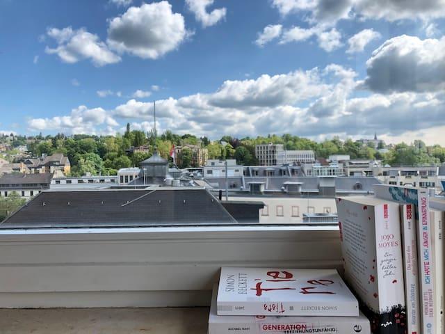Atemberaubender Blick über die Stadt, im Zentrum.