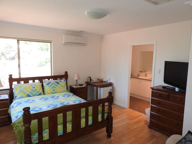 One bedroom B&B close to Kite Surfing