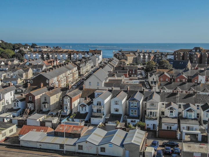 Sunnymead Penthouse - A dog friendly retreat close to Exmouth's beaches and coastline