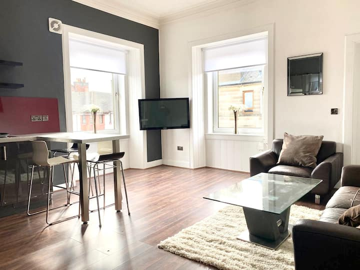 Luxury 2 Bedroom Apartment in Centre of Edinburgh