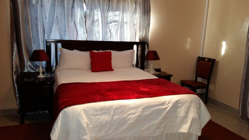 Exotica Guest Lodge - Francistown - Apartamento