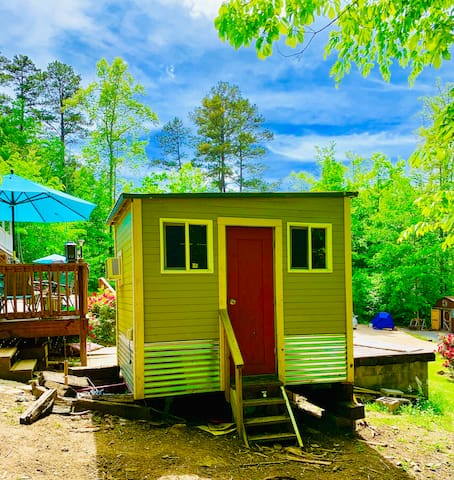 Norris Lake Front TN Tiny House Glamping + More!