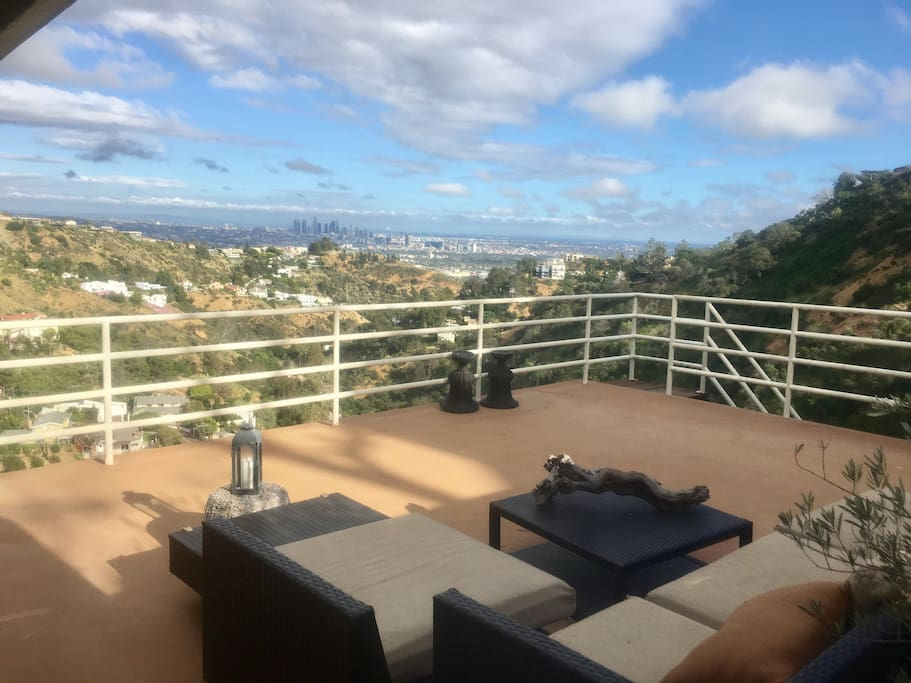 Expansive rooftop with gorgeous view of LA