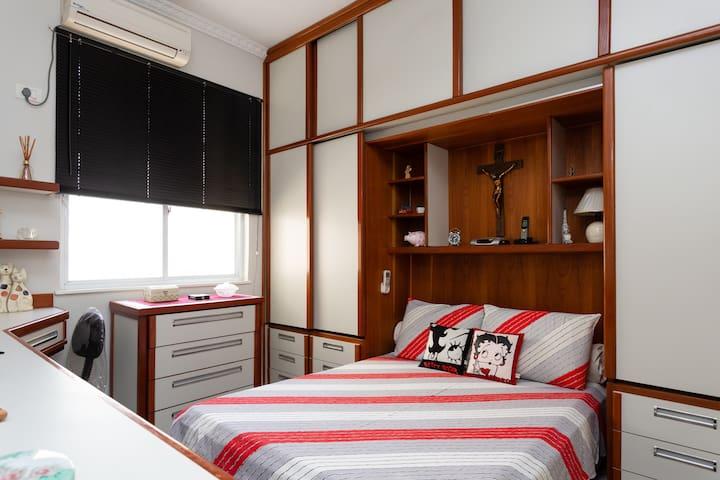 PRIVATE ROOM IN COPACABANA