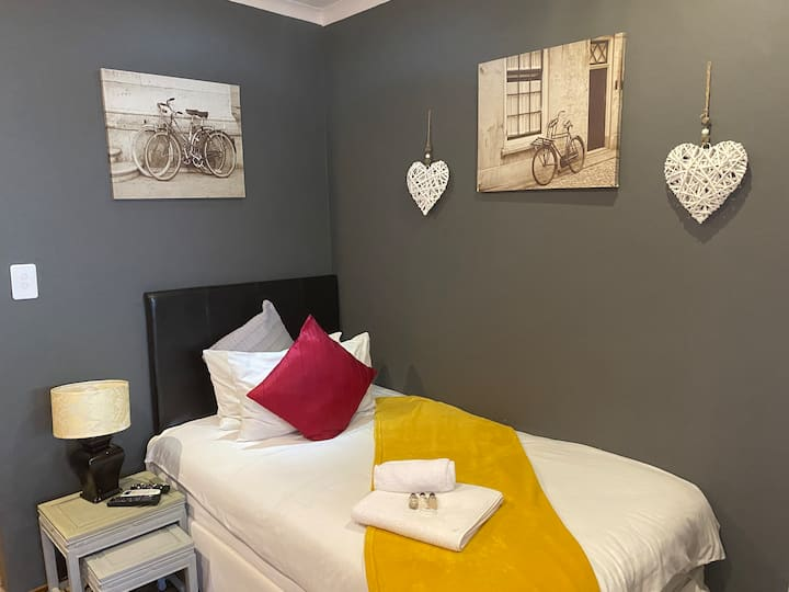 Marion Lodge - Sandton - Budget Travelers Room