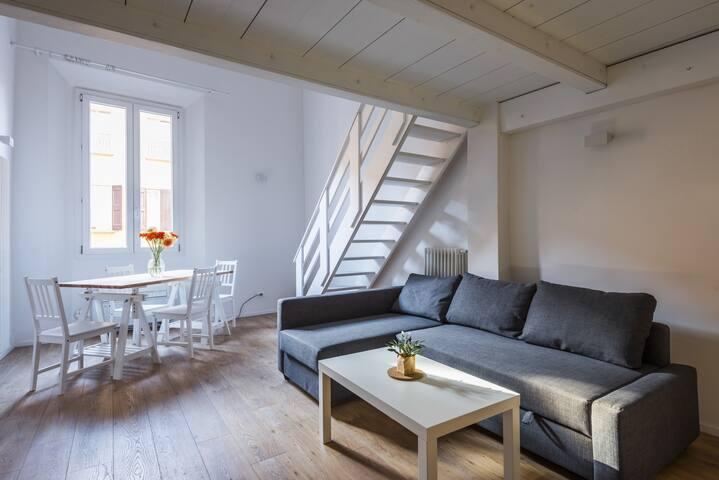 Elena - Mezzanine Apartment in historical cent