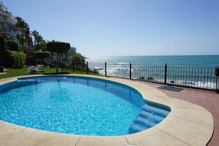"""Penthouse w/""""private"""" beach and SPA"""