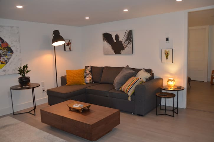 Spacious, Heated floors and Sofa bed
