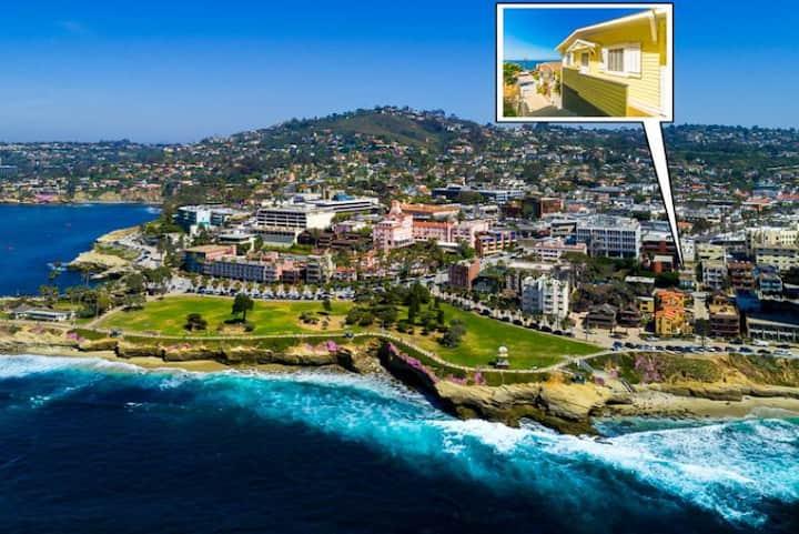 15% OFF DEC - Cottage in Village, Ocean Views, Walk to Beach + Shops
