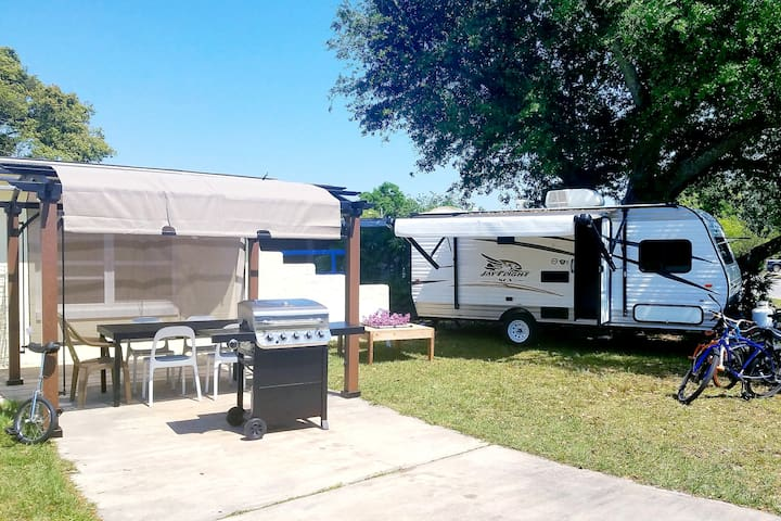 RV Oasis close to Shopping