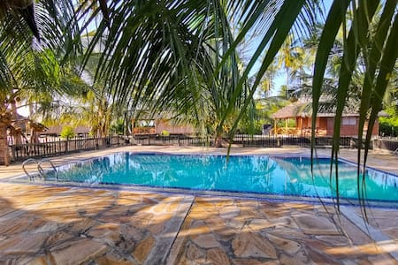 Deluxe Twin Bungalow with Pool or Garden View 3