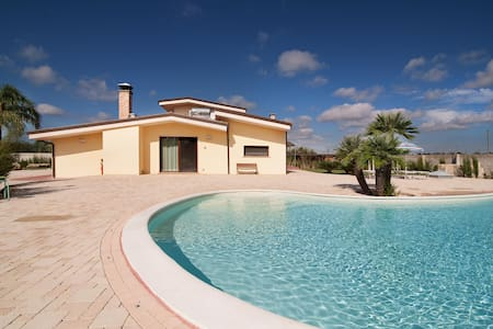 Large villa with private pool