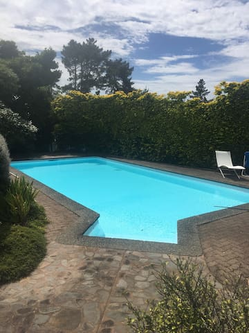 Self contained retreat with pool - Te Puna