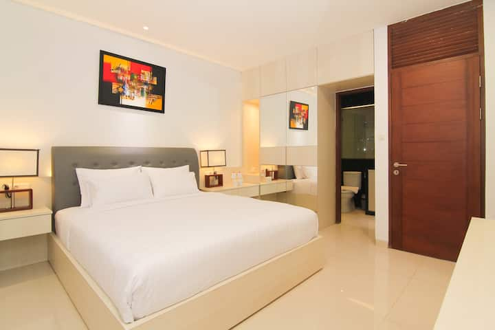4BEDROOM/4BATH Executive Suite at Setra Duta