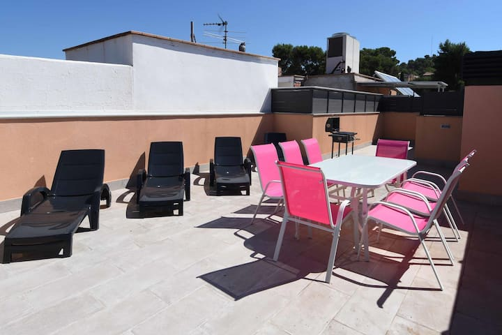 Apartment Rentals Girona C19 Terraza 3R2B max 9pax