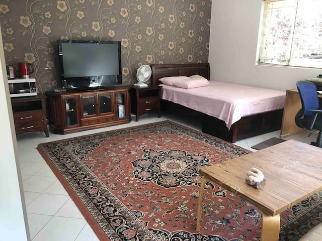 34sqm big room, king bed, kitchenette