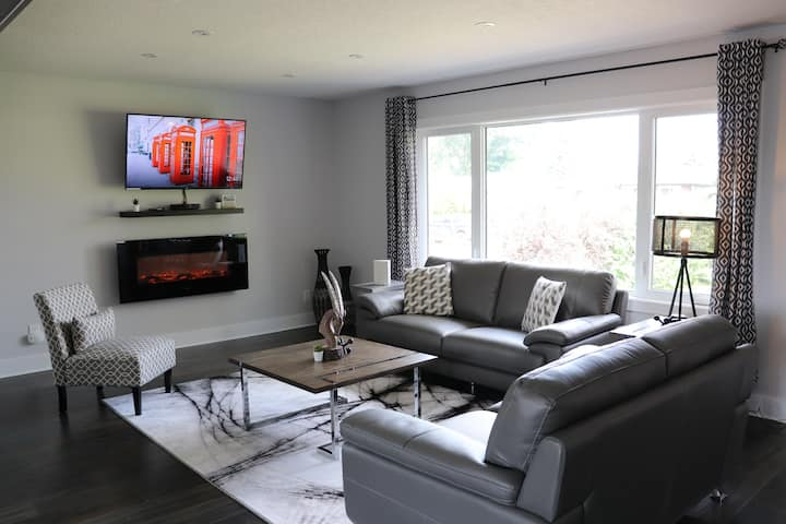Beautiful home in Ottwell - South East Edmonton